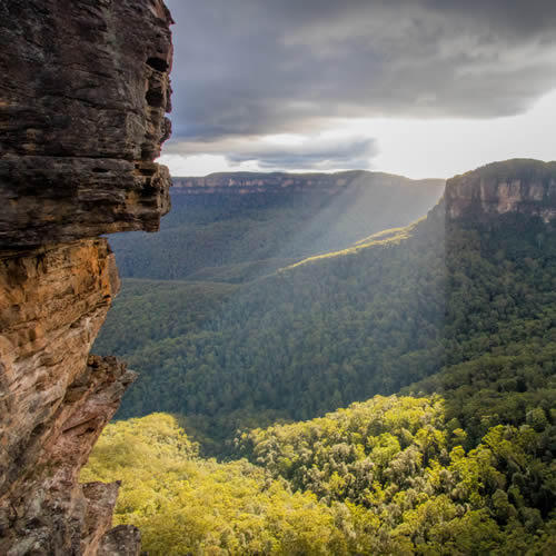 blue mountains valley views